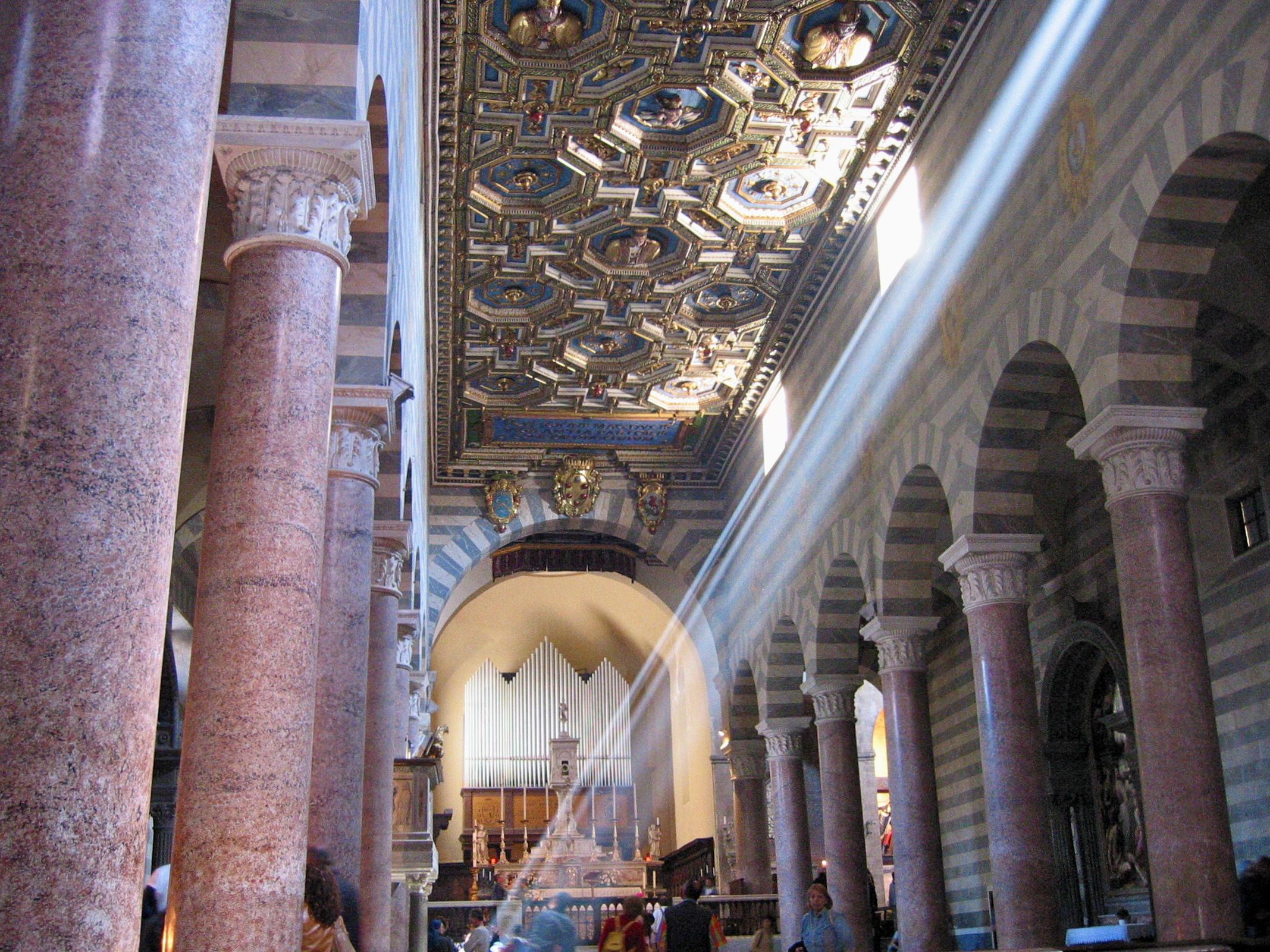 Duomo. Volterra (PI), Aprile 2002