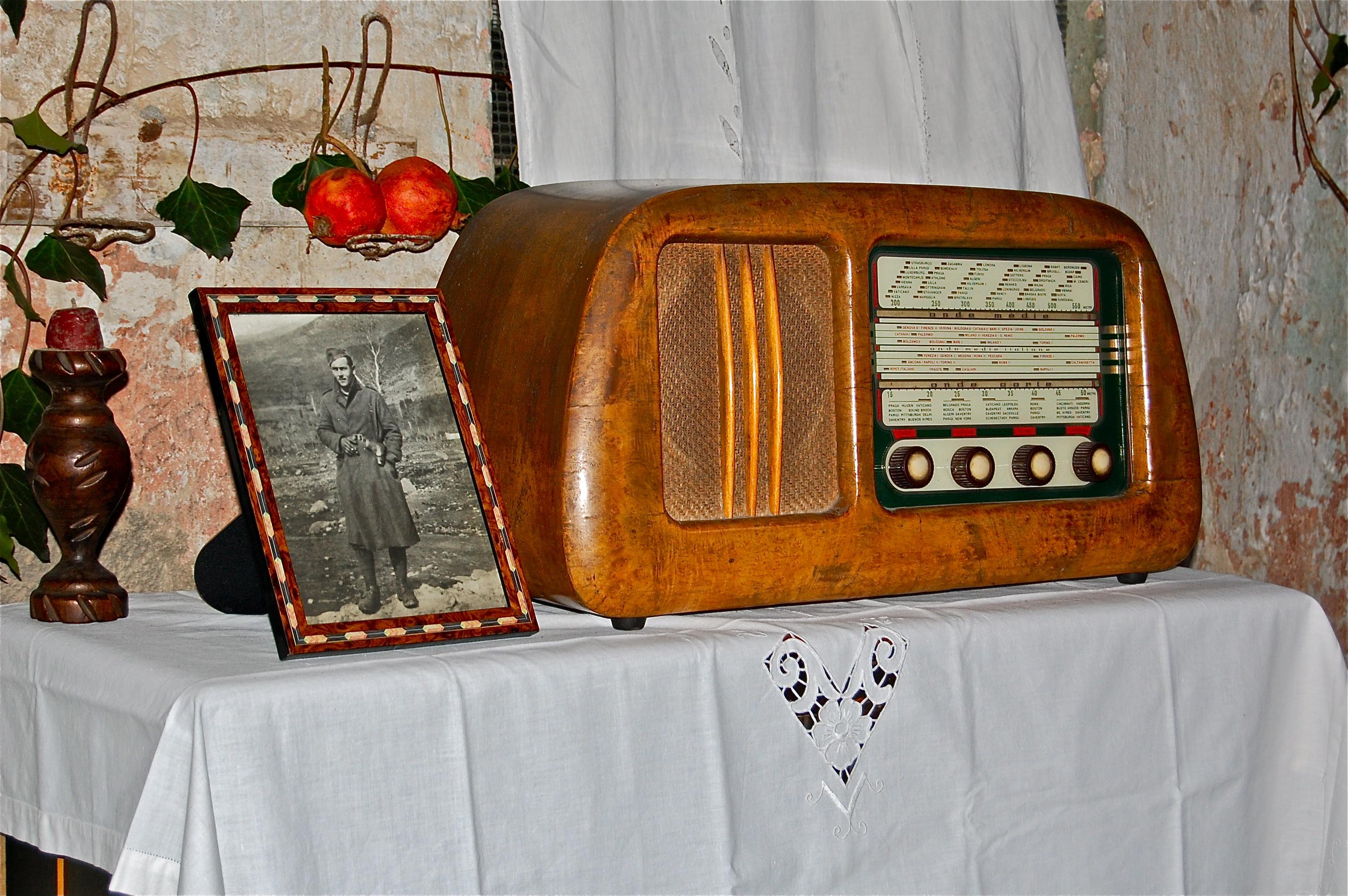 Radio Londra. Mozzanica (BG), Gennaio 2012